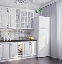 Valkoiset kaapit keittiössä